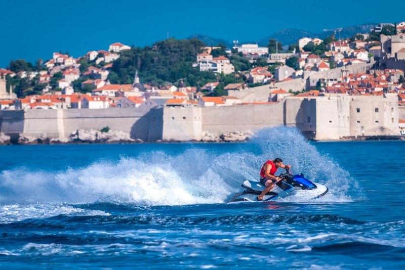 1500kn (200€) per jet ski